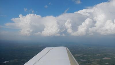 Gros nuages - Il faut passer dessous