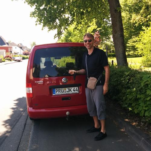 Dominique et la voiture